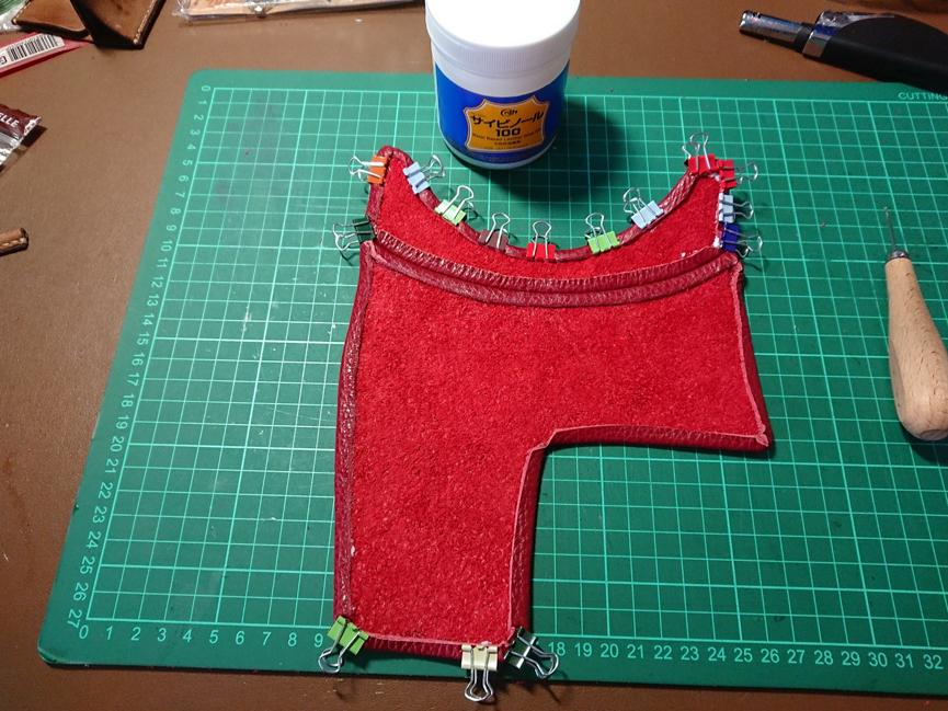 ダブルステッチで革を繋ぐ方法